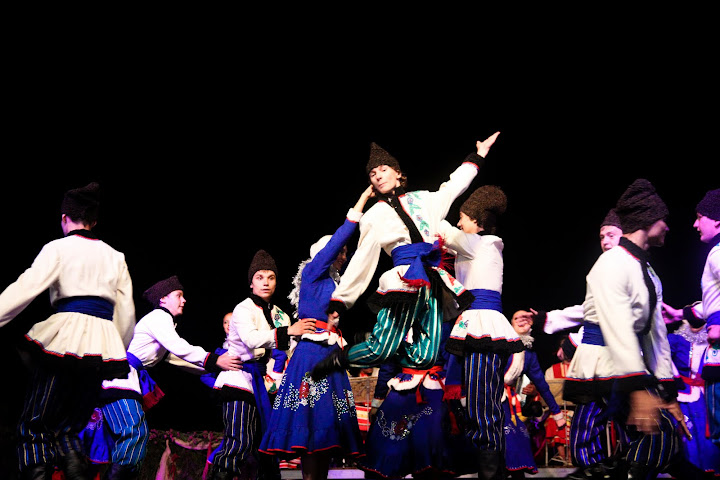 "Danças do Mundo 2011 - RÚSSIA - Folk Dance Ensemble ""SEVERYANOCHKA"""