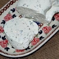 serek jogurtowy z czosnkiem niedzweidzim