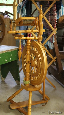 Wheel that spins flax