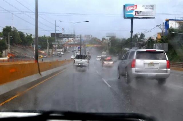 COE mantiene en alerta 12 provincias por persistencia de lluvias
