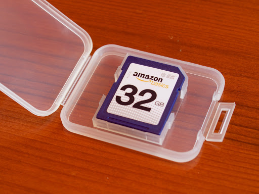 amazon basics 32GB SDHC Class 10