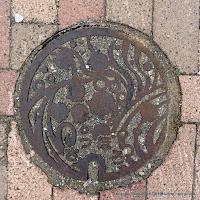 札幌市汚水桝デザインハンドホール蓋(すずらん)