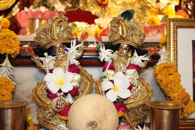 ISKCON Vallabh Vidhyanagar  Deity Darshan 09 April 2016 (7)