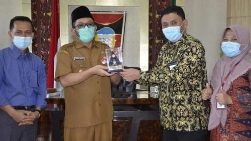 Raih Opini WTP di 2019 dan 5 Tahun Berturut-turut, Pemko Padang Diganjar Penghargaan dari Menteri Keuangan