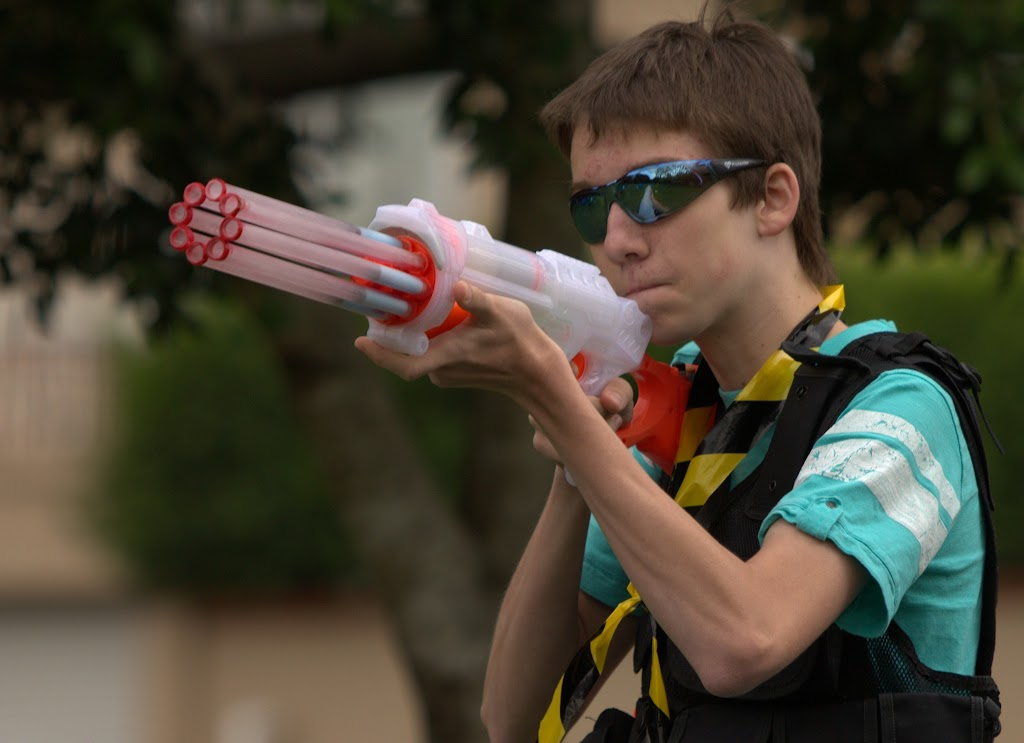 Kelvin Grove war pictures: December 18th   Picture heavy... Nerf%2Bwar%2B047