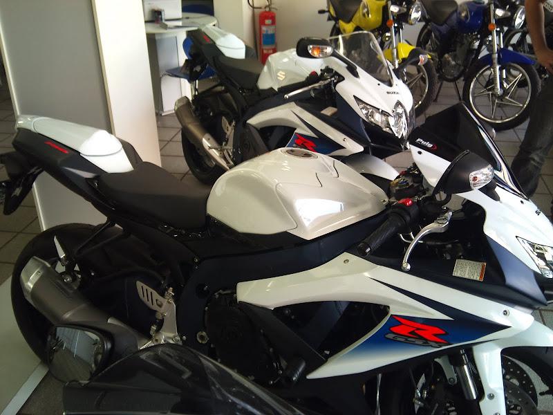 Brinquedo novo na área - GSXR 750 2012 Branca (pag 2) DSC_0059