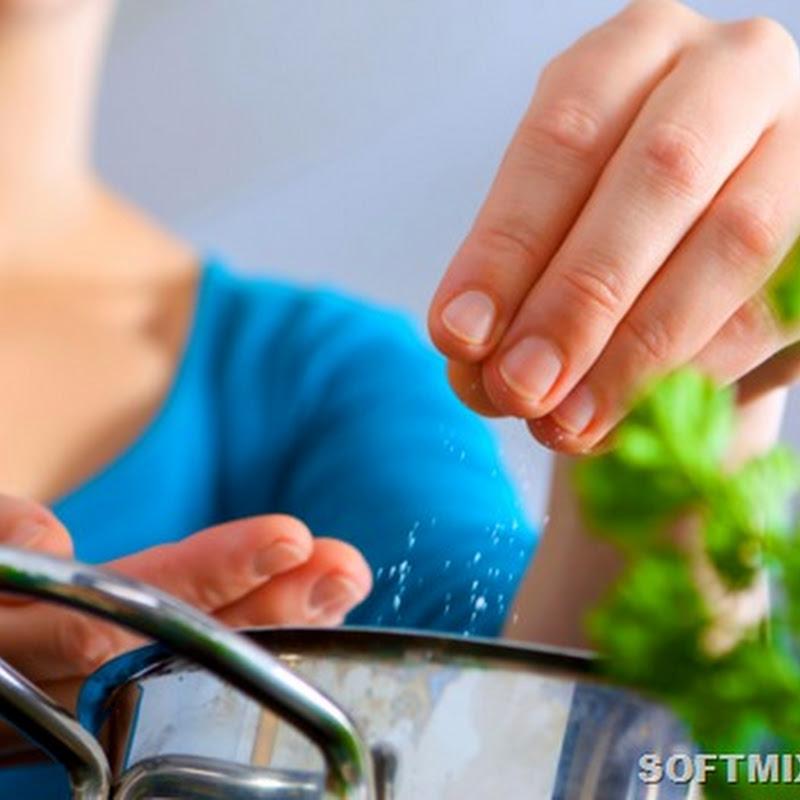 Продукты и соль. Как правильно солить пищу