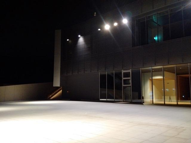 夜富山県美術館