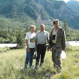 Devant la Katun et avec le guide Vadim, 5 juillet 2010. Photo : J. Marquet