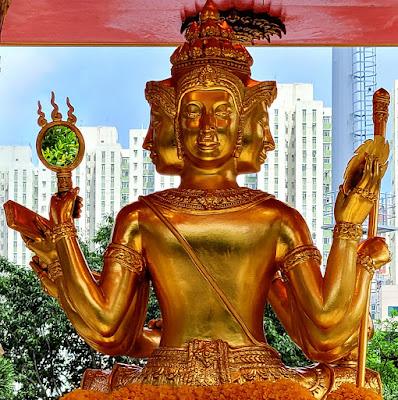 Four-Headed Buddha Shrine (5) ©LeDomduVin 2020
