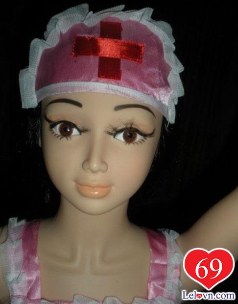 Búp bê tình dục nữ y tá có vẻ mặt thân thiện