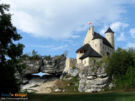 odbudowany zamek Bobolice