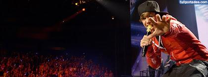 Portada para facebook de Justin bieber en concierto
