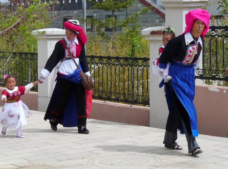 Chine. Yunnan.Shangri la Course hippique annuelle - P1250776.JPG