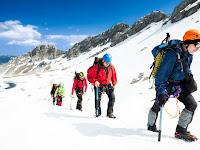 Mengenal Kegiatan Luar Ruangan : Mountaineering