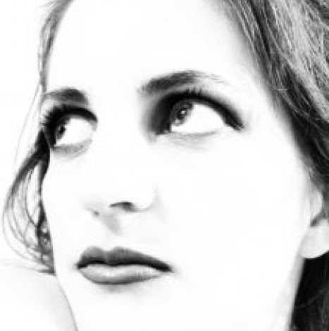Lidia R