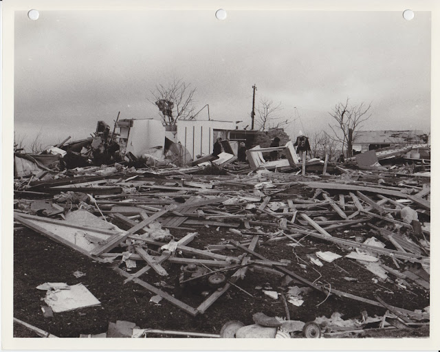 1976 Tornado photos collection - 11.tif