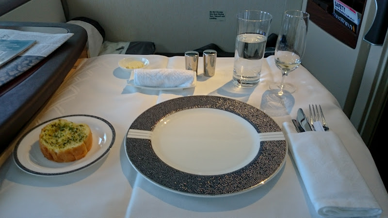 SIN%252520PVG 70 - REVIEW - Singapore Airlines : Suites - Singapore to Shanghai (A380)