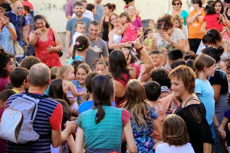 Festa infantil i taller balls tradicionals a Sant Llorenç  20-09-14 - IMG_4241.jpg