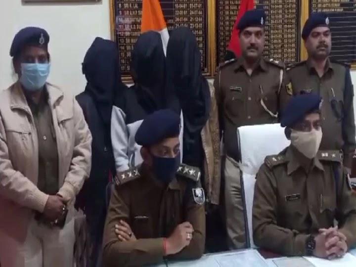 ज्वेलरी शॉप से लूट में शामिल 3 बदमाशों को पुलिस ने किया गिरफ्तार, सामान किया बरामद