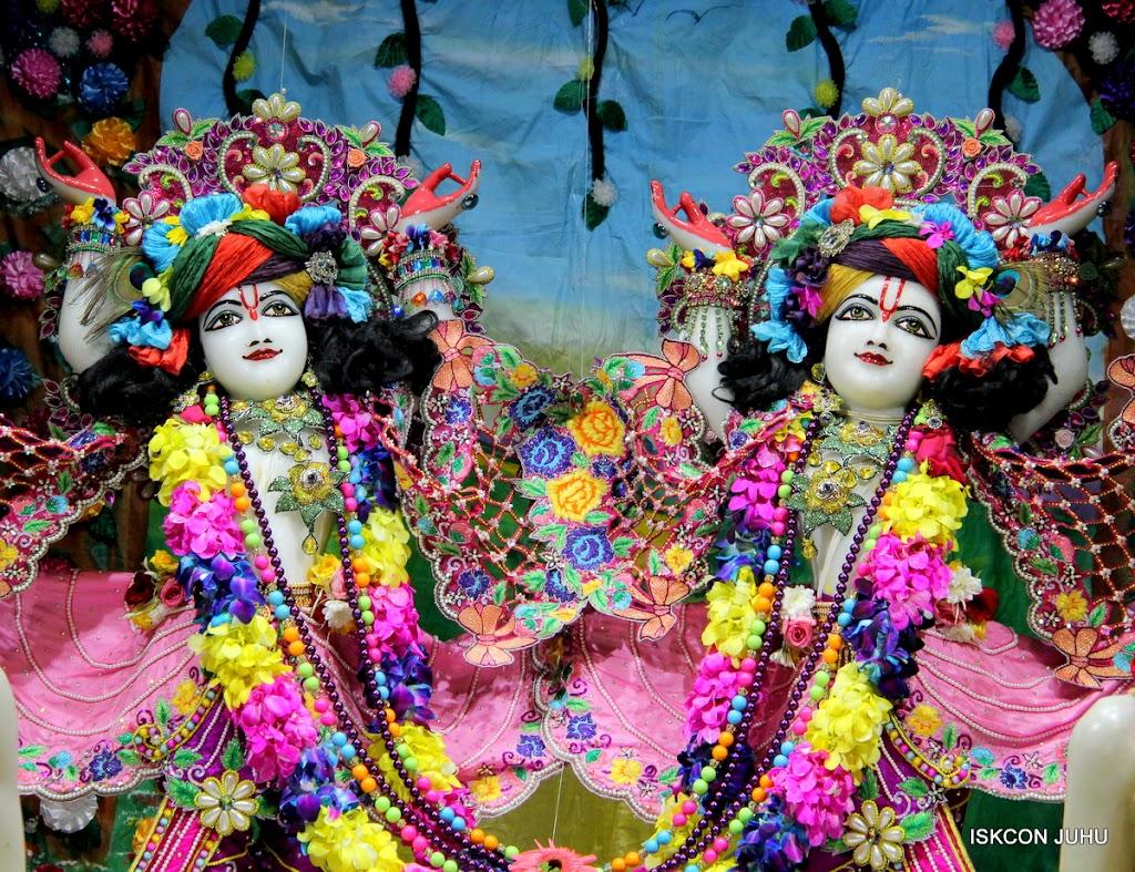 ISKCON Juhu Mangal Deity Darshan on 25th Aug16 (3)