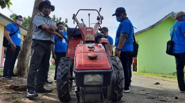 Widyaiswara Bekali Peserta Pelatihan dalam Mengoperasikan Alsintan