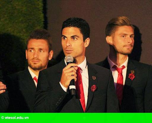 Hình 7:   Dàn sao Arsenal bảnh bao đi dự tiệc