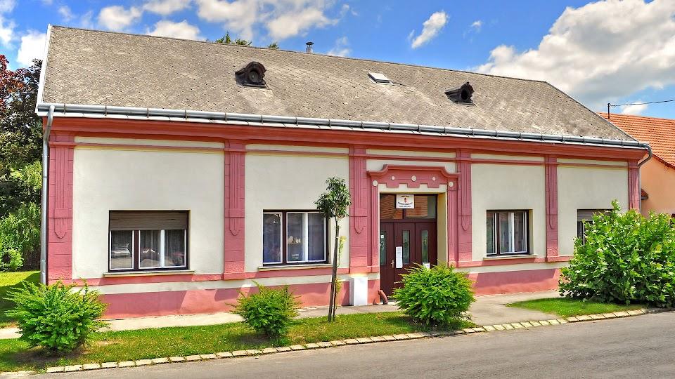 A Barcsi Tagintézmény épülete