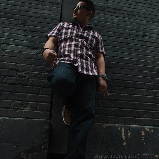 Joshua Aragon Photo 21