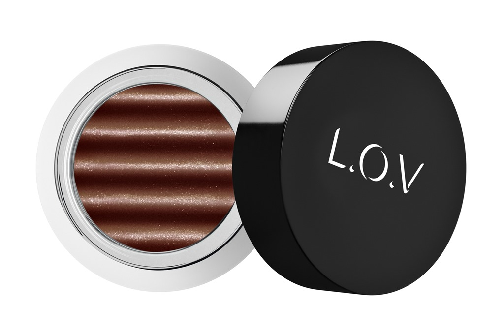 [LOV-EYETRACTION-magnetic-loose-eyeshadow-550-p1-os-300dpi%5B1%5D%5B4%5D]