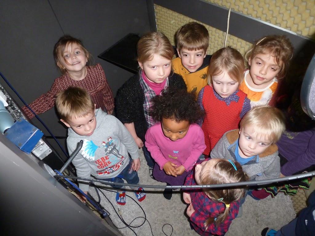 Leefgroep 1 op bezoek in een muziekkamer - P1080945.JPG