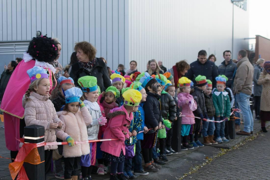 Sinterklaas aankomst bij OBS De Draaimolen Bachlaan 1.jpg