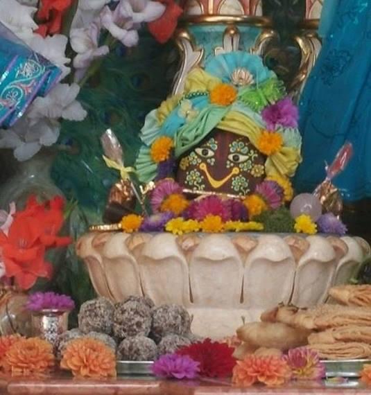 ISKCON Hungary Deity Darshan 07 Sep 2016 (8)