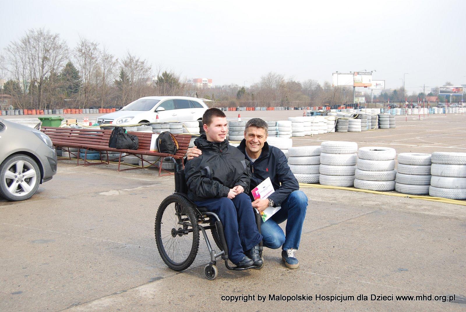 16-letni Wojtek, spotkał się 4 kwietnia 2012 roku w Warszawie ze swoim idolem, Krzysztofem Hołowczycem.