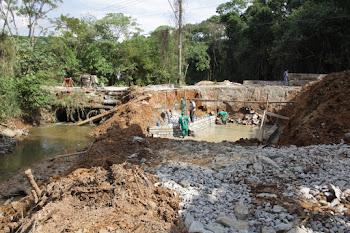 Prefeitura constrói nova ponte no Capuava
