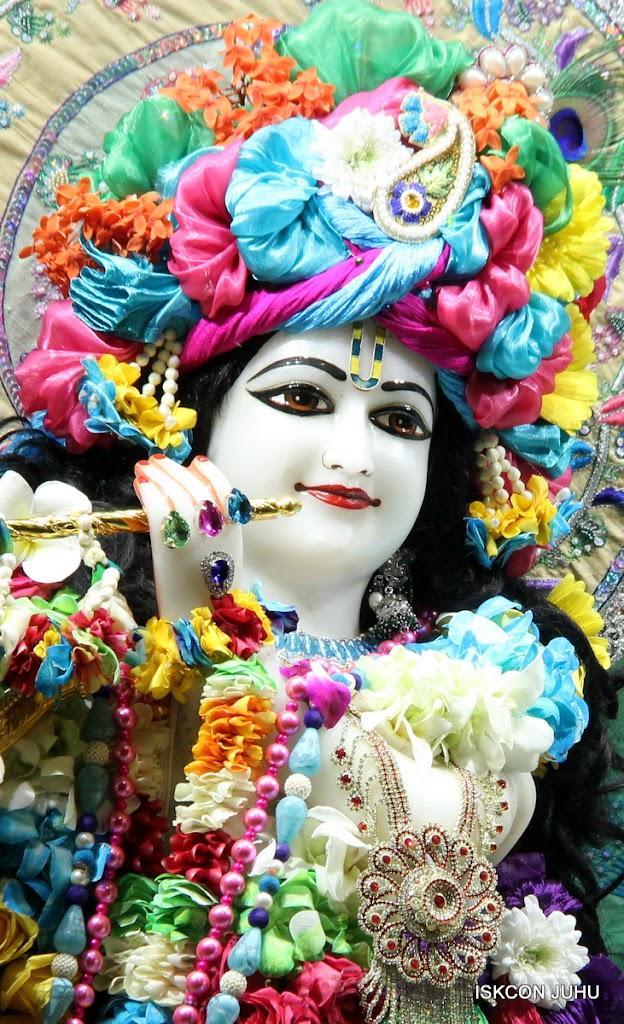 ISKCON Juhu Sringar Deity Darshan on 26th Aug 2016 (22)