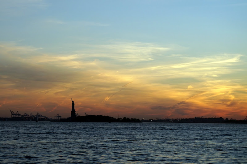 DSC06639 - Sunset over Statue of Liberty