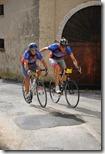 Due ciclisti nel biscottone alla Marquez