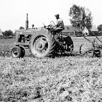 Farmall 1947_600bew.jpg
