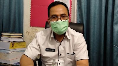 Foto: Hendrizal Azhar, Sekwan DPRD Kota Padang. Hasil Tes Swab di DPRD Kota Padang Semuanya Negatif, DPRD Berkomitmen Terapkan Protokol Kesehatan.