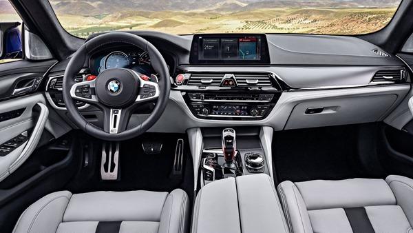 BMW-M5-2018-interior