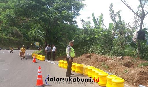 Jalur Leter S Cikidang Sukabumi Dipasang Roller Barrier Dari Korea