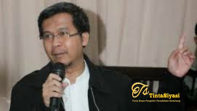 Refleksi Akhir Tahun, Dr. Arim Nasim Menuntut Solusi dengan Diterapkan Sistem Islam