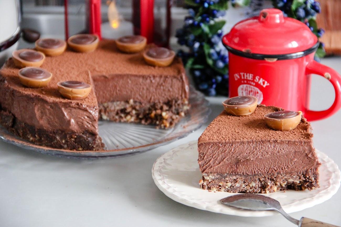 Бархатный шоколадный торт без выпечки