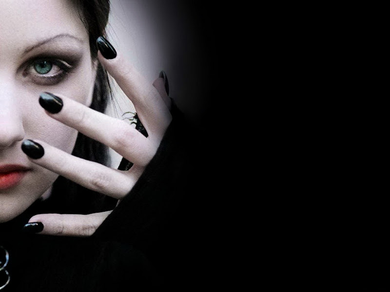 Black Nails, Gothic Girls