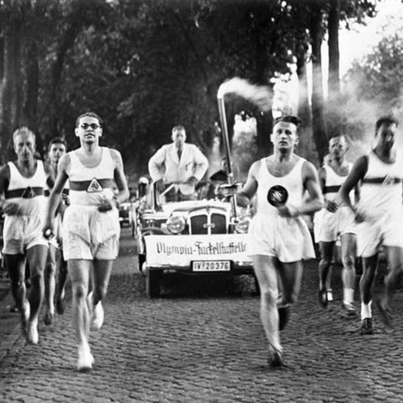 Revezamento da tocha olímpica - uma criação nazista