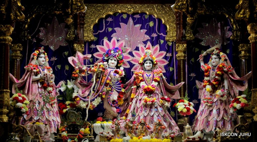 ISKCON Juhu Sringar Deity Darshan 5 Jan 2017 (2)