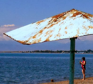 Strand-Szene am Morgen in Tamchy am Ysyk Köl (Ысыккөл, Иссык-Куль, Yssykköl, Issyk-Kul, Issyk Kul), Kirgistan