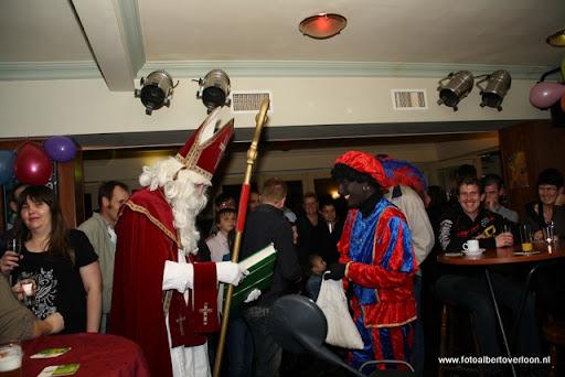 sinterklaas en feestavond msv overloon 02-12-2011 (26).JPG