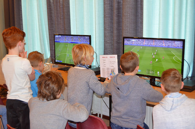X-ICT FIFA tournament 03-04-2015 - DSC_0382%2B%2528Kopie%2529.JPG